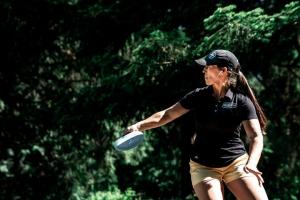 Team Innova player Jennifer Allen throwing disc golf shot