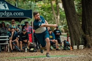 Team Innova Captain Nate Sexton throwing a forehand drive.
