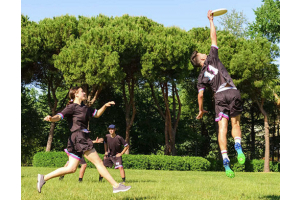 Ultimate disc players in a competitive game.