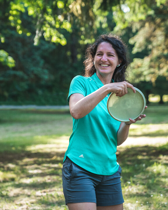 Madison Walker with mid-range disc