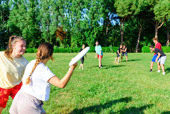 Game of ultimate Frisbee